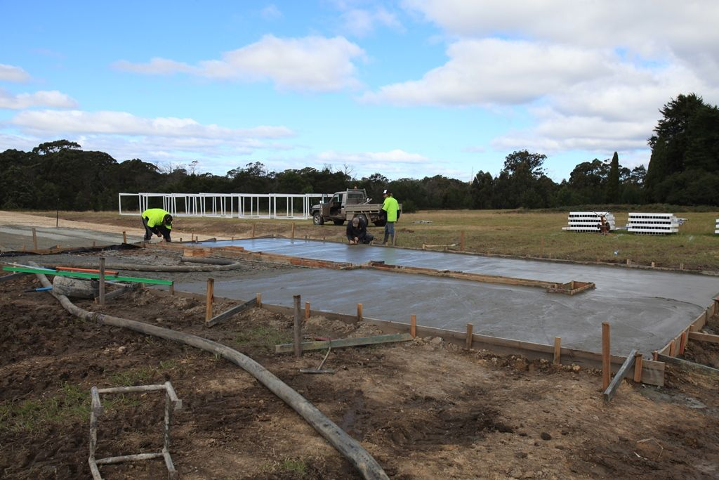 Most of the concrete poured, waiting on the last 3 cubic meters to arrive